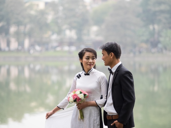 Wedding pics at Hoan Kiem Lake